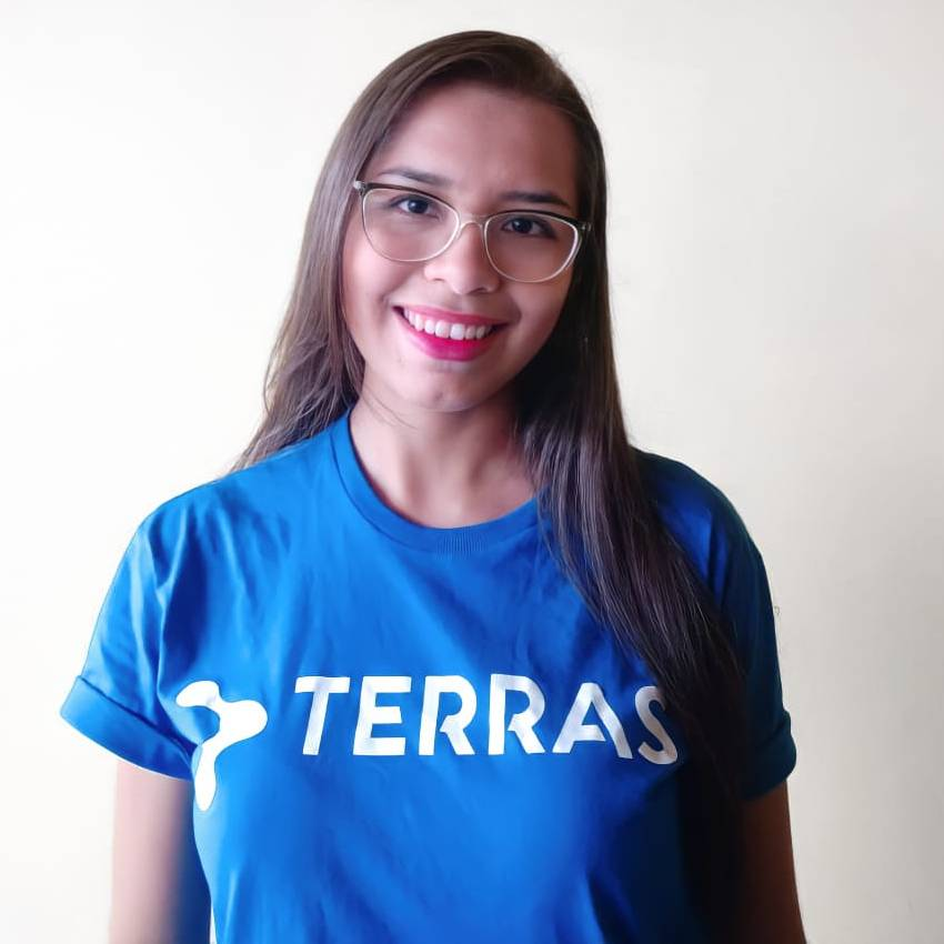 Emília Cardoso - Customer Success
